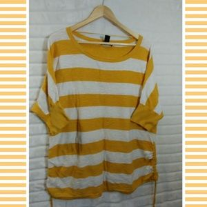 ➕ Style Co. 💜 yellow white stripe sweater top